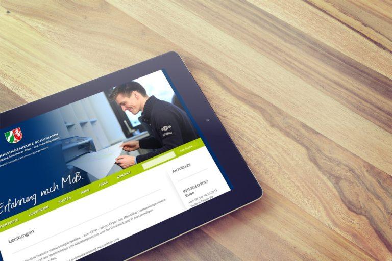 Vermessungsingenieure Schumann · Logo-Entwicklung · Corporate Design · Webdesign · Grafikstudio Carreira · Susi Carreira · Werbeagentur Bad Oeynhausen · Minden · Bünde
